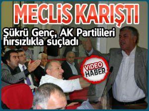 AK Partilileri hırsızlıkla suçladı
