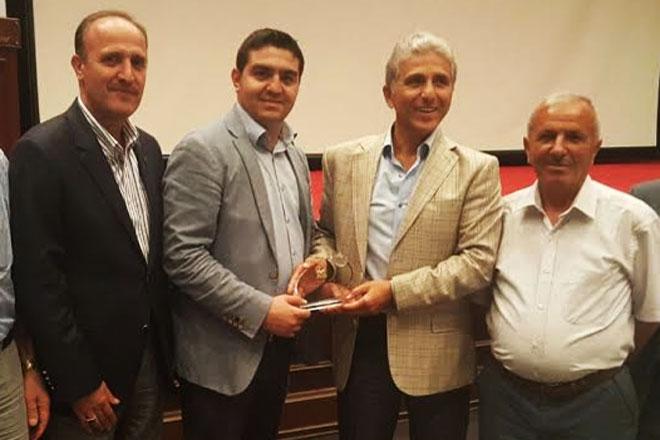 Çetin Kara'ya şampiyonluk ödülü