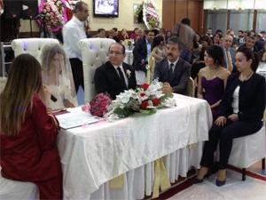 CHP'liler düğünde buluştu