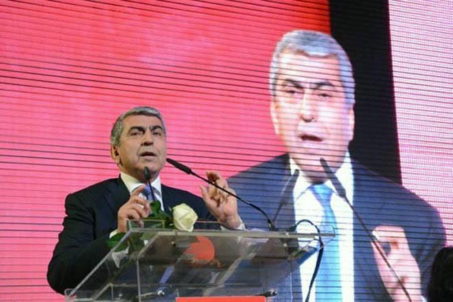 CHP'nin yeni İl Başkanı Cemal Canpolat oldu