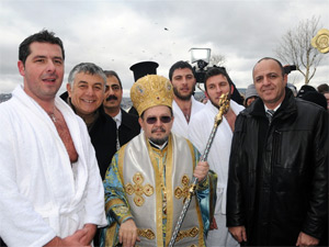 Denizden haç çıkarma töreni yapıldı