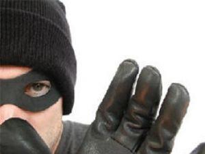 Hırsızları çorabı ele verdi