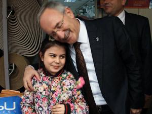 Minik Aybike, Özsoy'a şans diledi