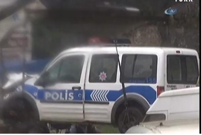 İstinye'de polis aracı kamyona çarptı: 4 yaralı