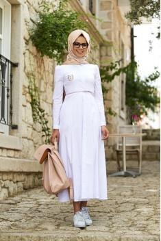 En Yeni Tesettür Elbiseleri tesetturgiysim.com da Bulun