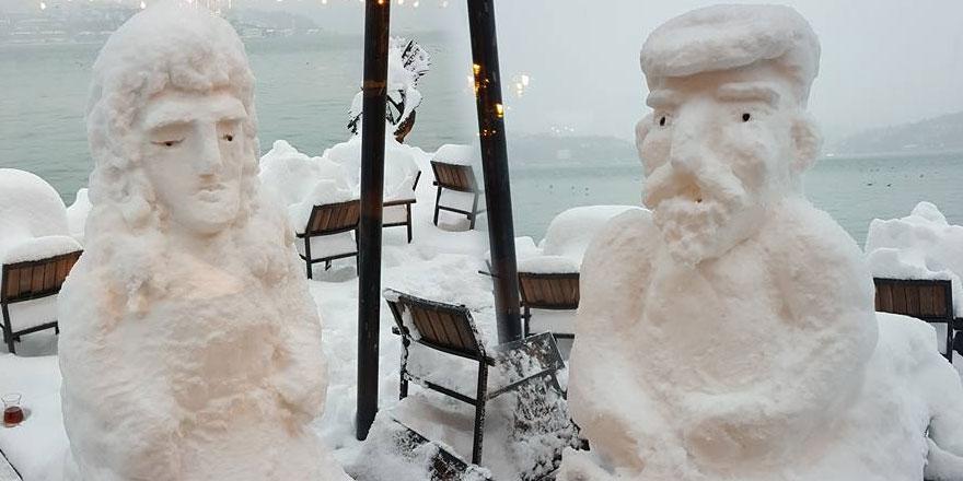 Kardan gemi ve heykeller yaptılar