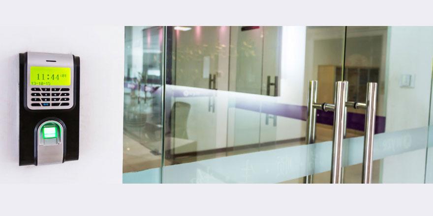 Personel devam kontrol geçiş sistemi ile Varnost güvenli ve pratik çözümler sağlıyor