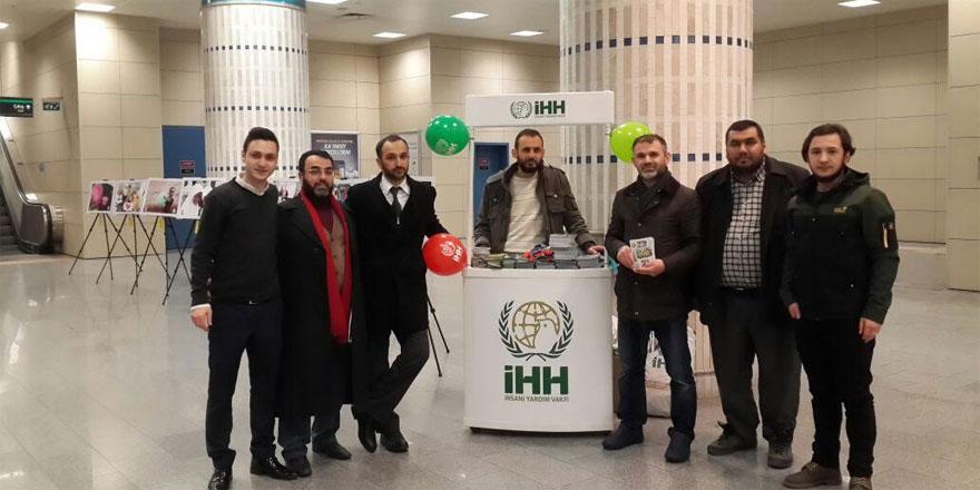 İHH Sarıyer Şubesi metroda sergi açtı