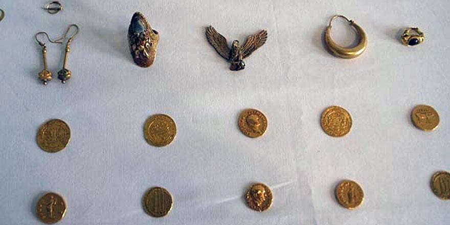 Altın sikkeler satılmadan Sarıyer'de ele geçirildi!