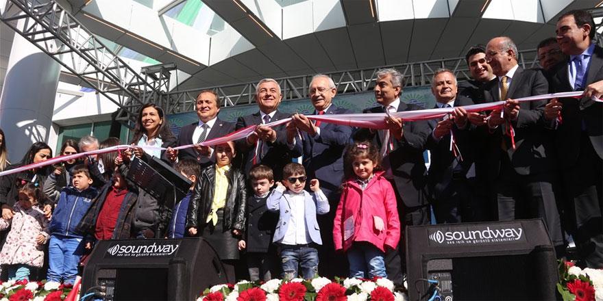 Kılıçdaroğlu ile Şükrü Genç yeni hizmet binasının kurdelesini kesti