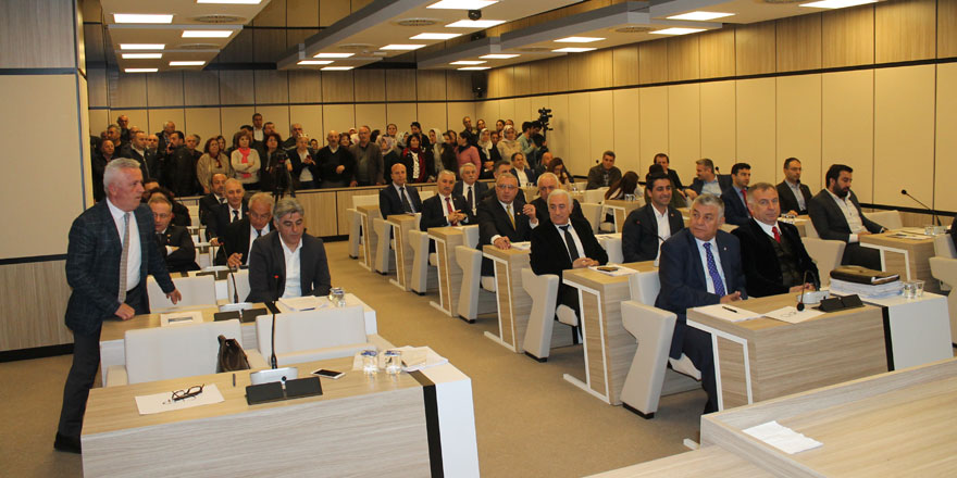 Yeni binada ilk meclis toplantısı