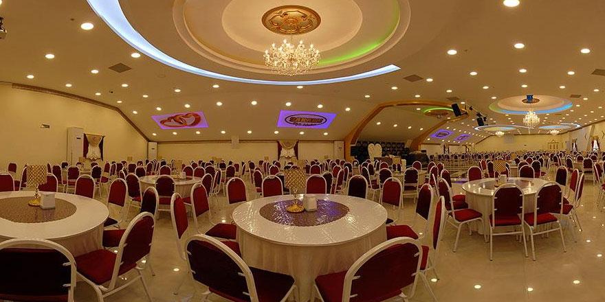 İzmir'de Açık ve Kapalı Düğün Salonları Alternatifleri