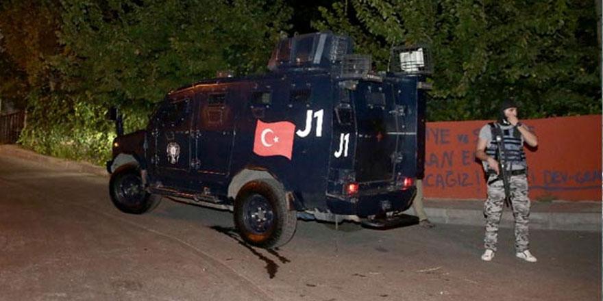 Sarıyer FSM'de helikopter destekli terör operasyonu