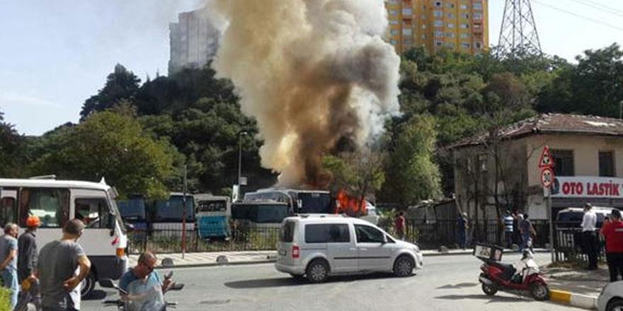 Sarıyer Ayazağa'da çıkan yangında alevler araçlara sıçradı!