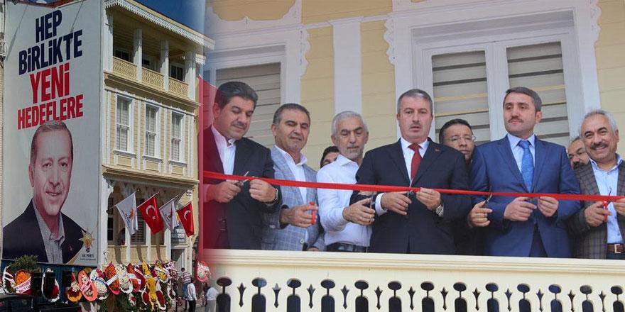 AK Parti Sarıyer'de coşkulu açılış