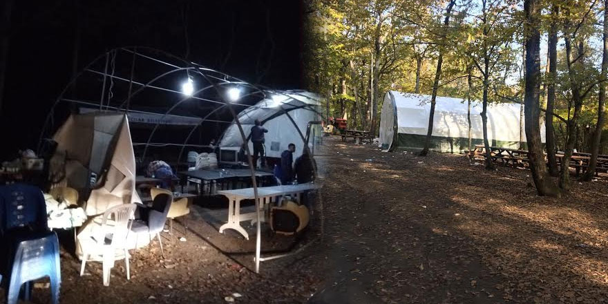 Ormana çadır kurup kumar oynattılar