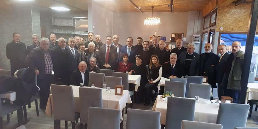 Ahmet Çınar'dan protokol ve muhtarlara kahvaltı