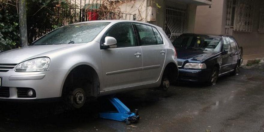 Sarıyer'de bir kişi 20 aracın lastiklerini bıçakladı