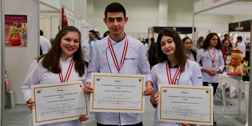 Sarıyerli öğrencilerden uluslararası başarı