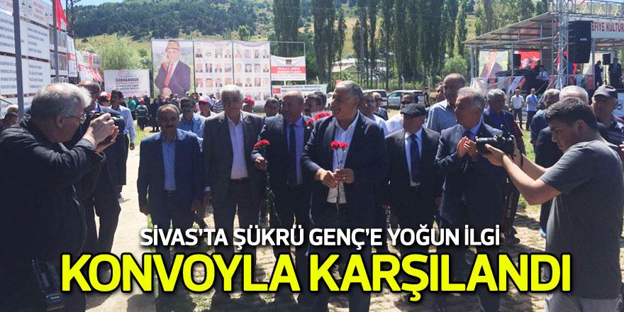 Sivas'ta Şükrü Genç'e yoğun ilgi