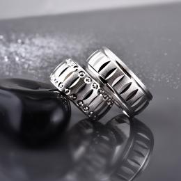 Stilinizi Tamamlayacak Gümüş Yüzükler Kullanın!