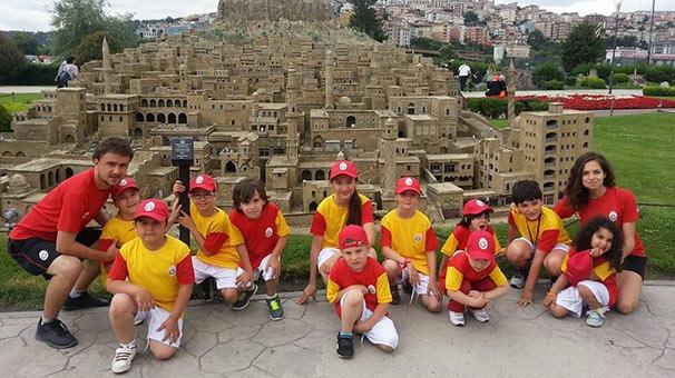 Yaz Okuluyla Çocukların Gelişimi Desteklenirken Eğlenmeyi de Aksatmazlar
