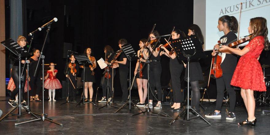 Akustik Sanat Merkezi'nden müthiş performans