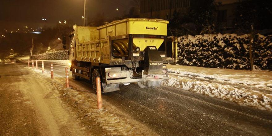 Sarıyer'de 450 ton tuzlama yapıldı