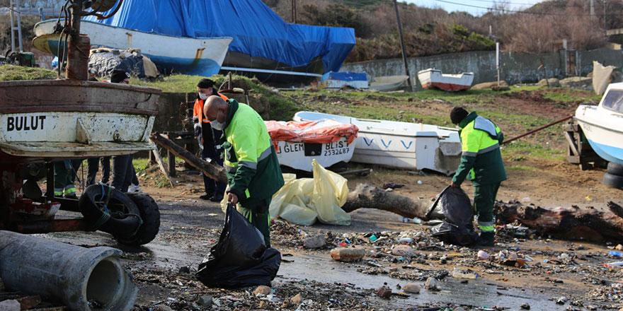 Kısırkaya Plajı'ndan 150 torba çöp toplandı