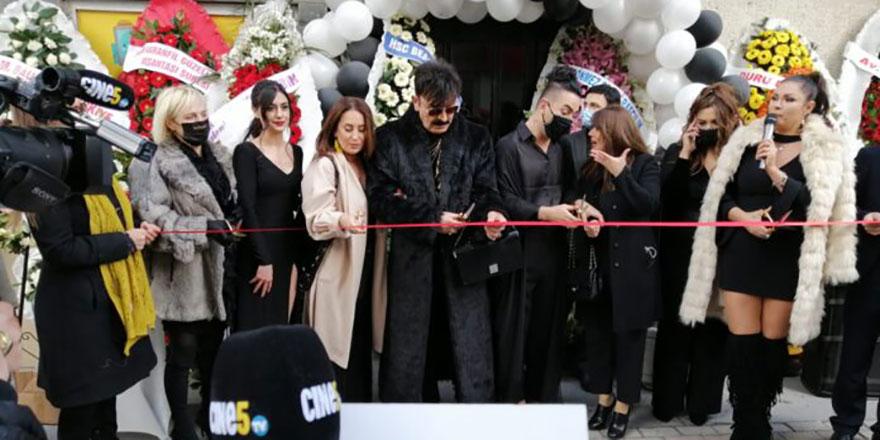 Hakan Karanfil'in açılışına ünlüler akın etti