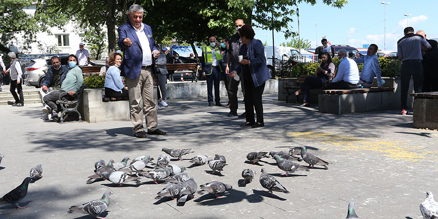 Başkan Genç sokak hayvanlarını unutmadı