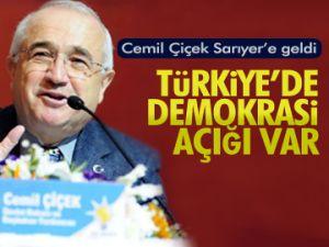 Türkiye'de demokrasi açığı var