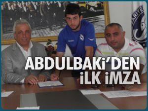 Abdulbaki Derya'dan ilk imza