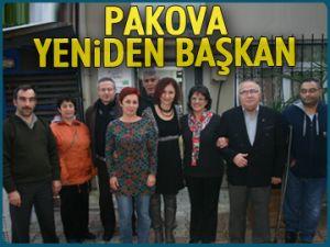 Pakova yeniden başkan