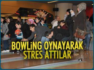 Bowling oynayarak stres attılar