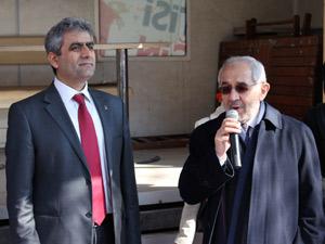 Ayazağada AK Partiye ilgi Sarıgüle ise tepki