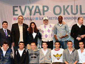 Şampiyon Evyap Koleji efsaneleri ağırladı