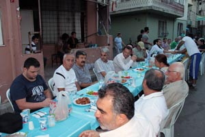 Çayırbaşını buluşturan iftar