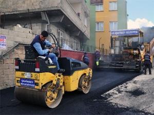 Belediyedeki kriz asfaltı vurdu