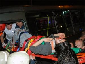 Hacıosmanda minibüs ile otobüs çarpıştı