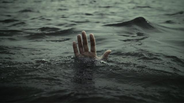 Boğulmaktan son anda kurtarıldı