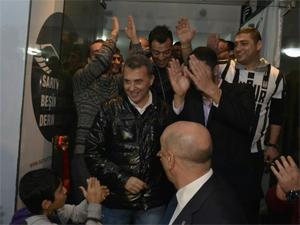 Beşiktaşlılar Derneğinden görkemli açılış