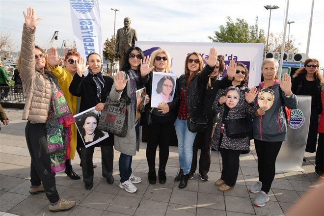Sarıyerli kadınlar şiddete karşı yürüdü