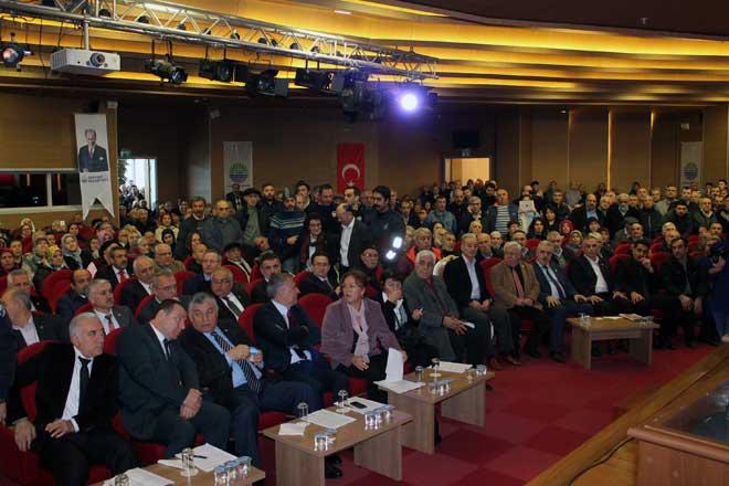 Binlerce Sarıyerli Belediye Meclisi'ne çıkartma yaptı