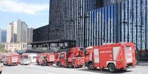 Sarıyer Maslak'ta plazada yangın paniği