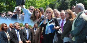 Sarıyerliler tapuları için yeniden İBB önünde