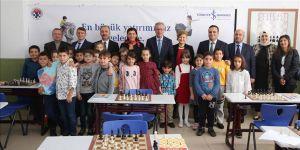 İş Bankası'nın 20 bininci satranç sınıfı Sarıyer Balahatun İlkokulu'nda açıldı