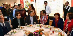 Ekrem İmamoğlu Sarıyer'de amatör spor kulübü yöneticileriyle buluştu