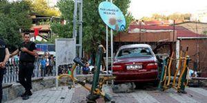 Aracıyla çocuk parkına dalan sürücü tutuklandı