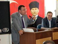 CHP laf üretiyor, AK Parti hizmet yağdırıyor